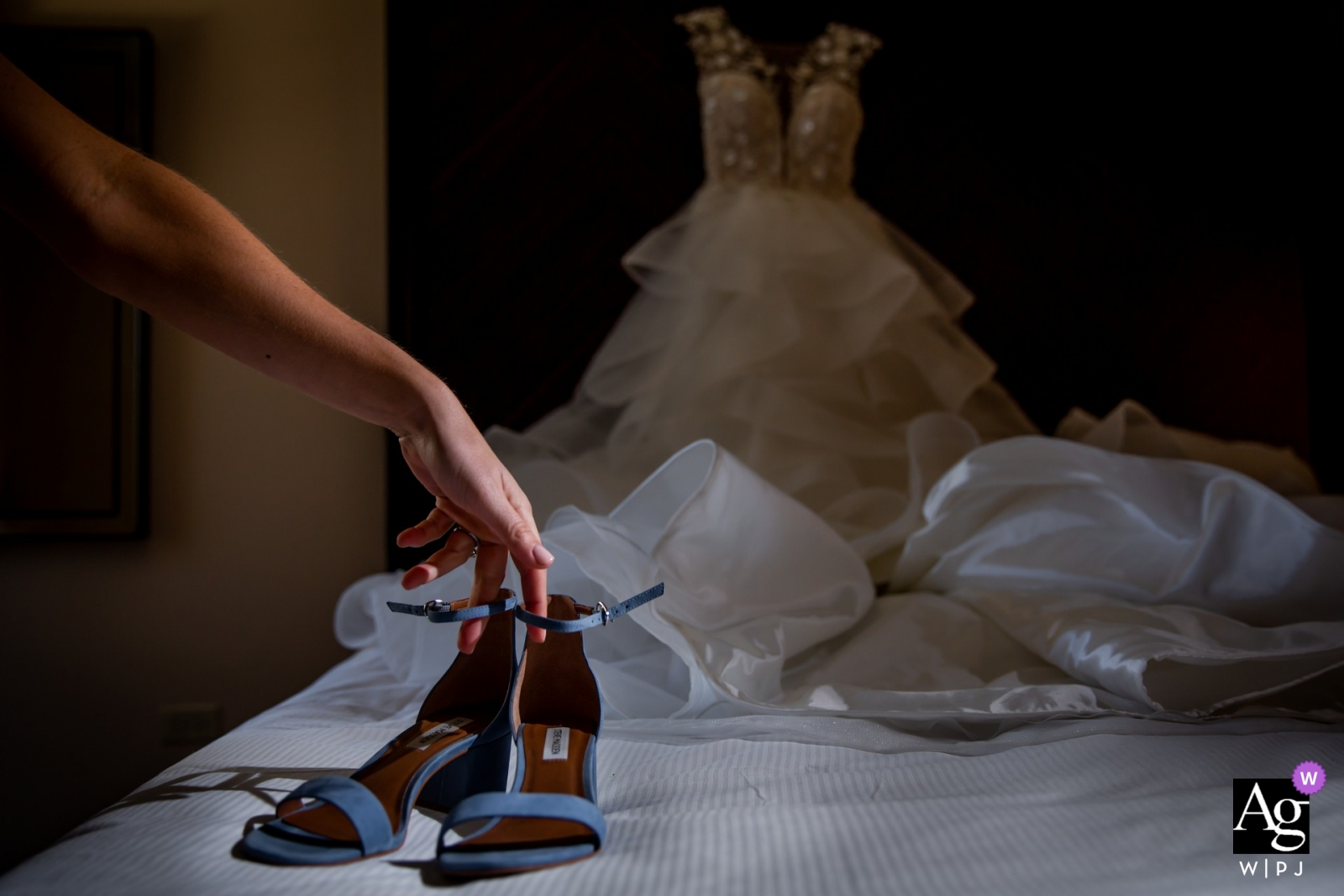 Chicago pictures by a creative wedding photographer   detail of shoes