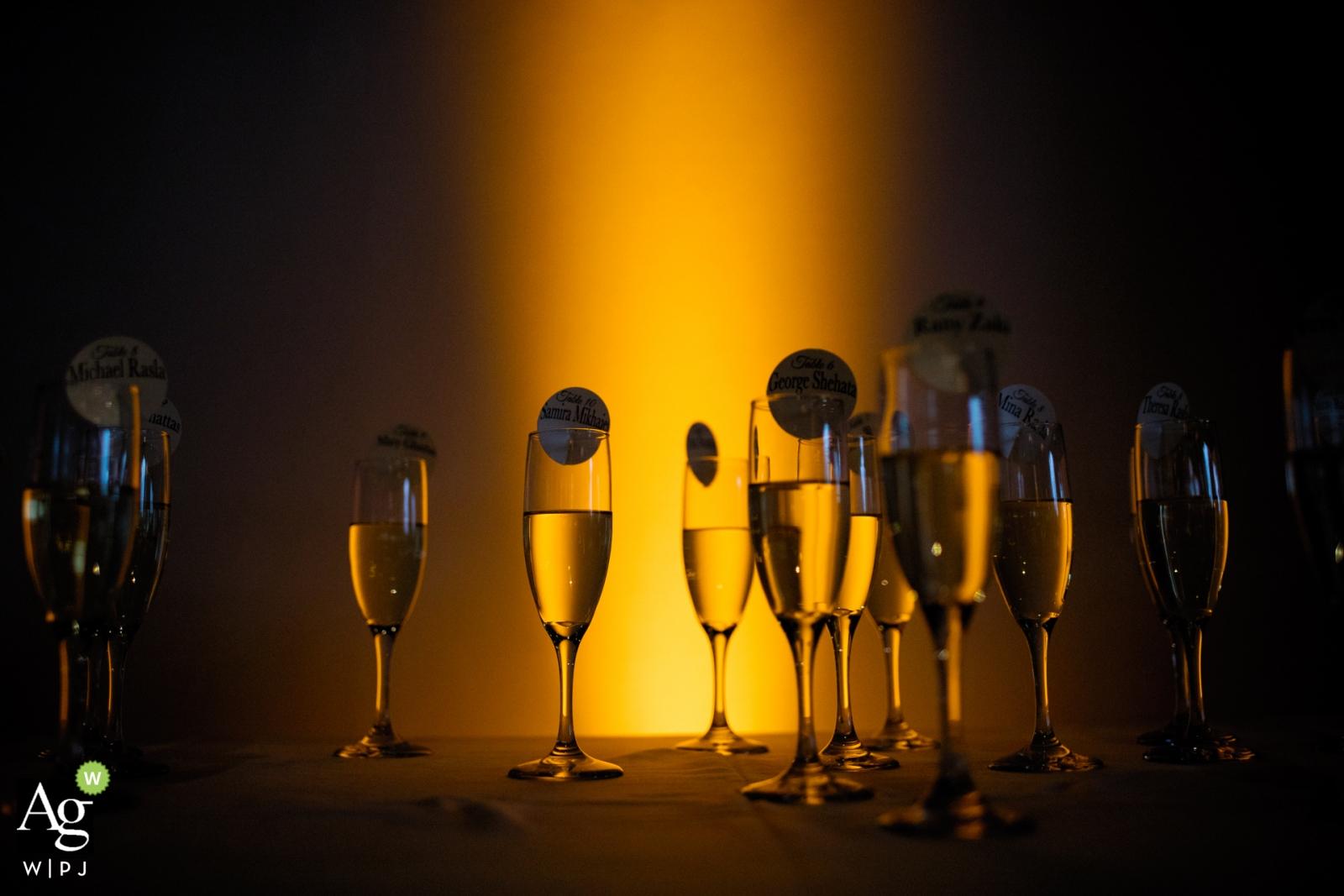 Fotografia ślubna w Providence | Obraz zawiera: szampana, kieliszki, szczegółowe ujęcie