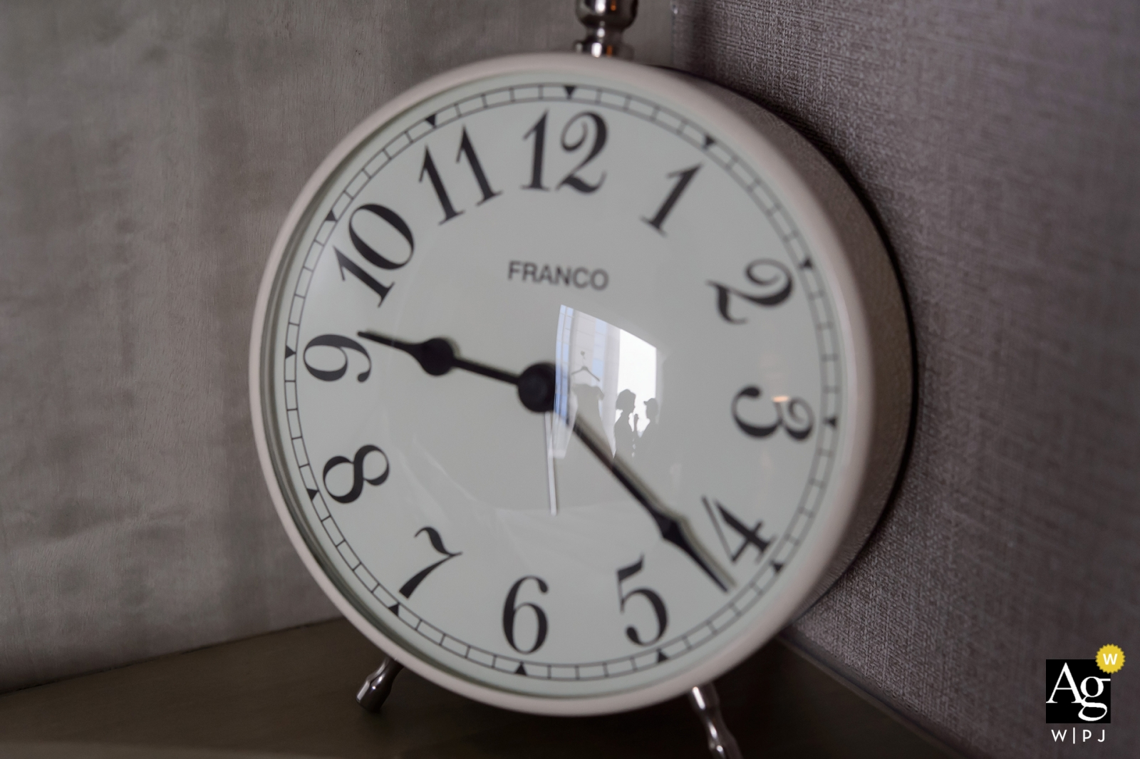 Taipei artystycznych fotografii kreatywnych szczegółów zegara z refleksji oblubienicy przygotowuje