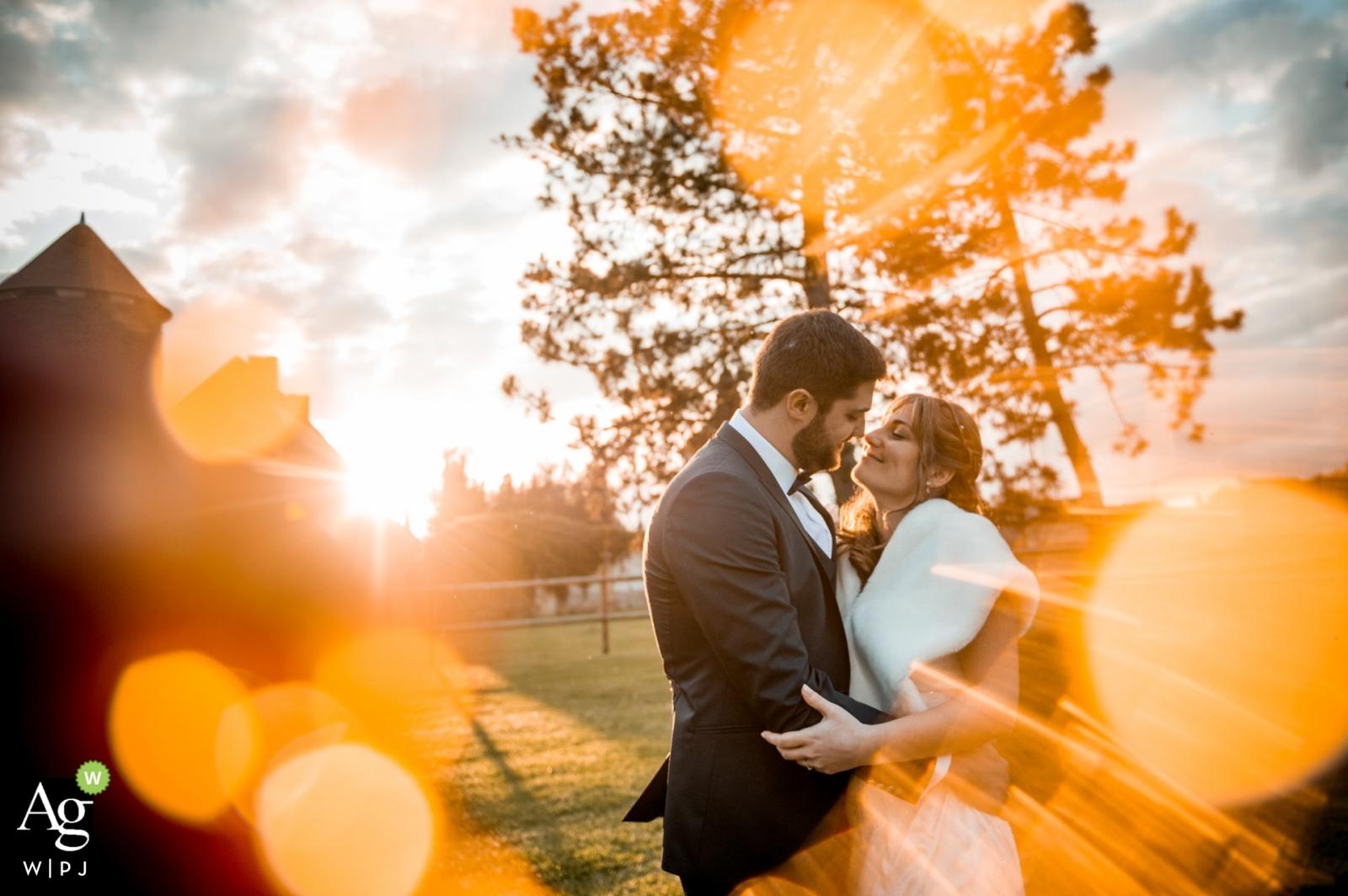 Séance de portrait du jour du mariage créatif Bokeh avec une mariée et le marié de l'Oise