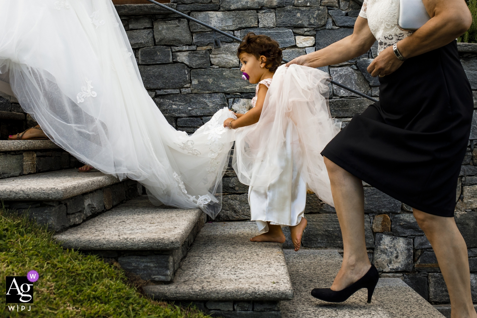 Ufuk Sarisen is an artistic wedding photographer for Istanbul