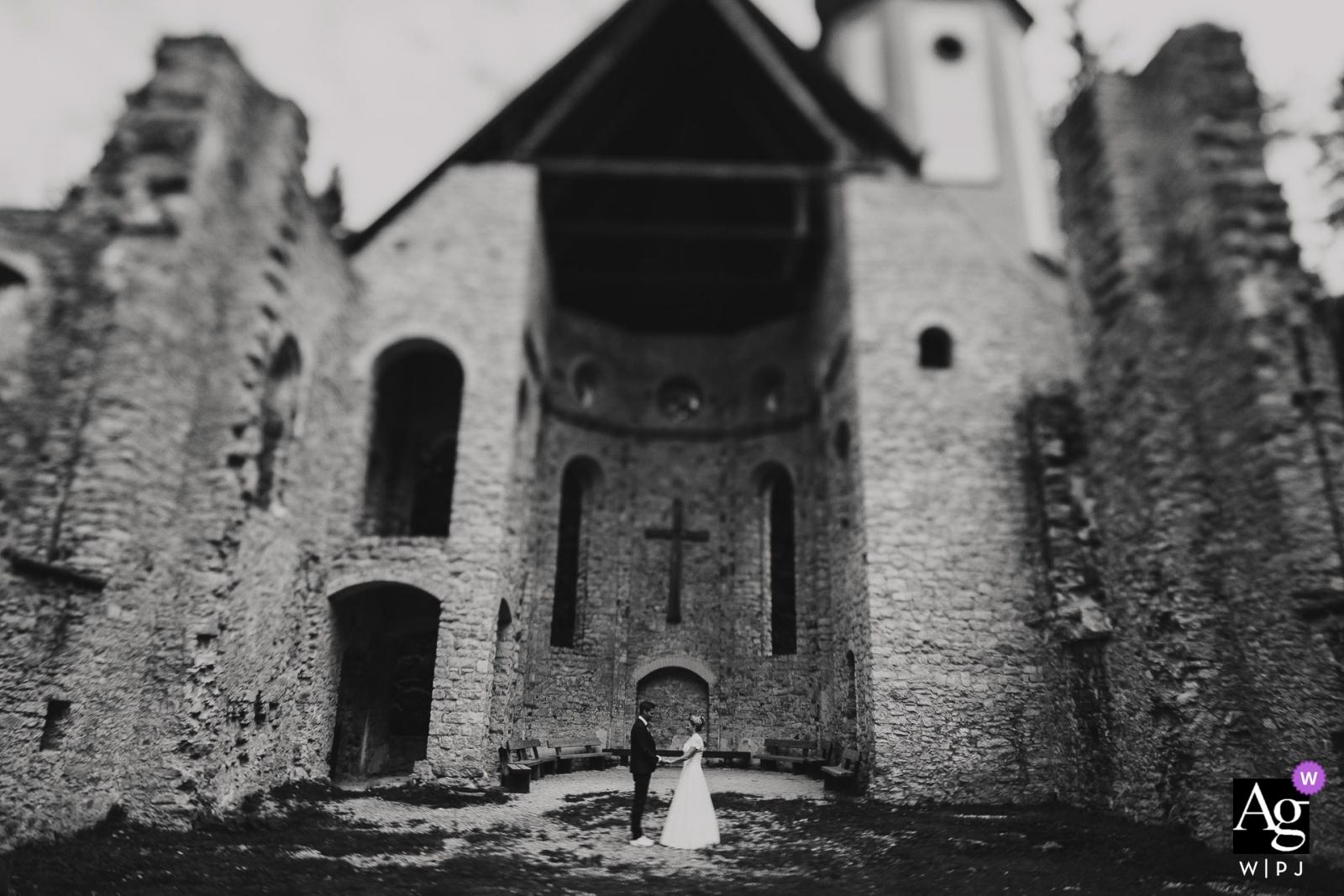 Hofgut Hohenkarpfen   Hochzeitsporträt in Schwarz-Weiß und Tilt Shift