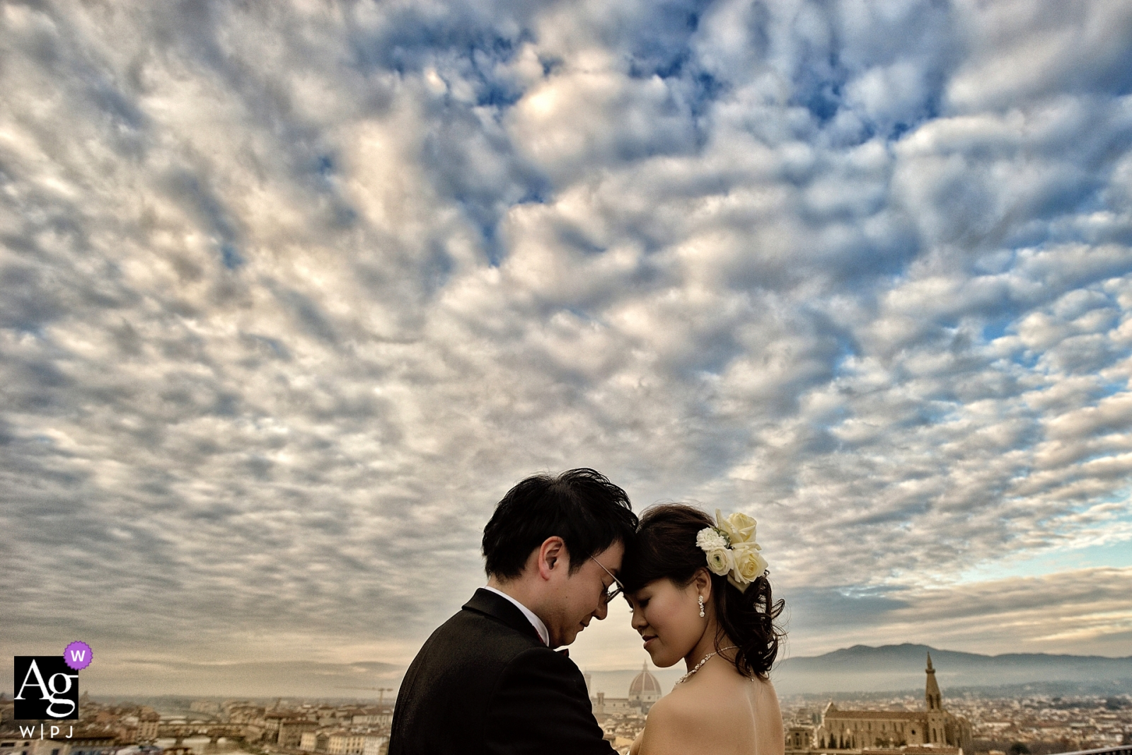 Hotel La Vedetta in Florence wedding photography   Bride and groom 'under' an amazing cloudy sky
