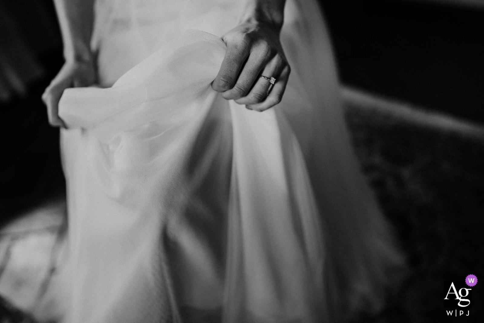 Agriturismo Pian Di Filetto wedding photographer | Black and white detail the bride Gettin' Ready