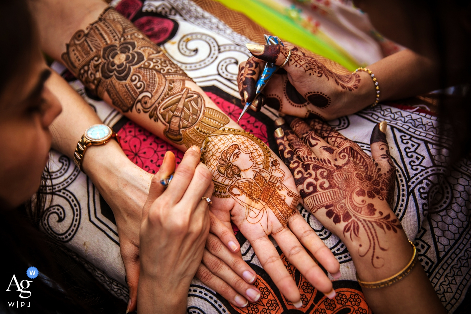 Mumbai, India Wedding Photo Dettaglio di Henna - Bellezza nel caos