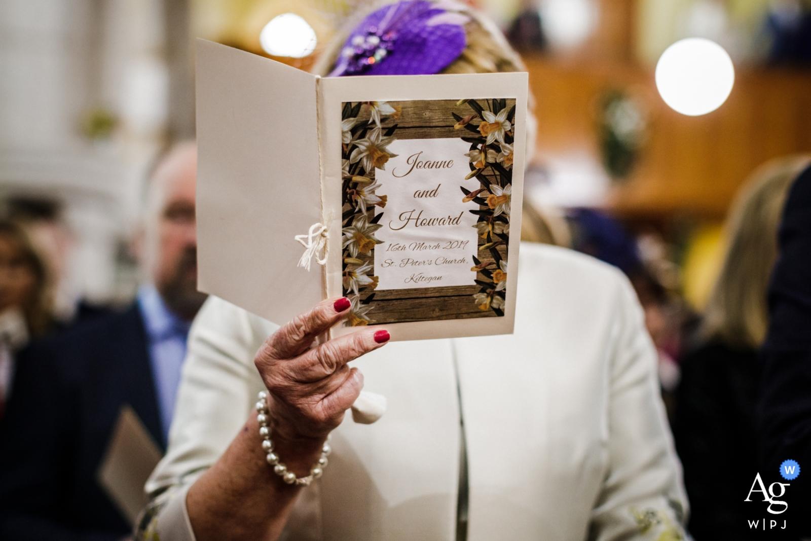 Rathsallagh House, Wicklow, photographe de mariage documentaire d'Irlande | Programme de la cérémonie de tenue de maman