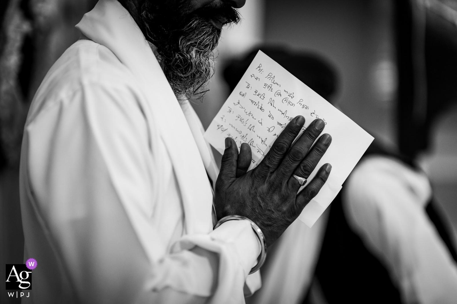 伯明翰,英國婚禮攝影師 - 祈禱黑白