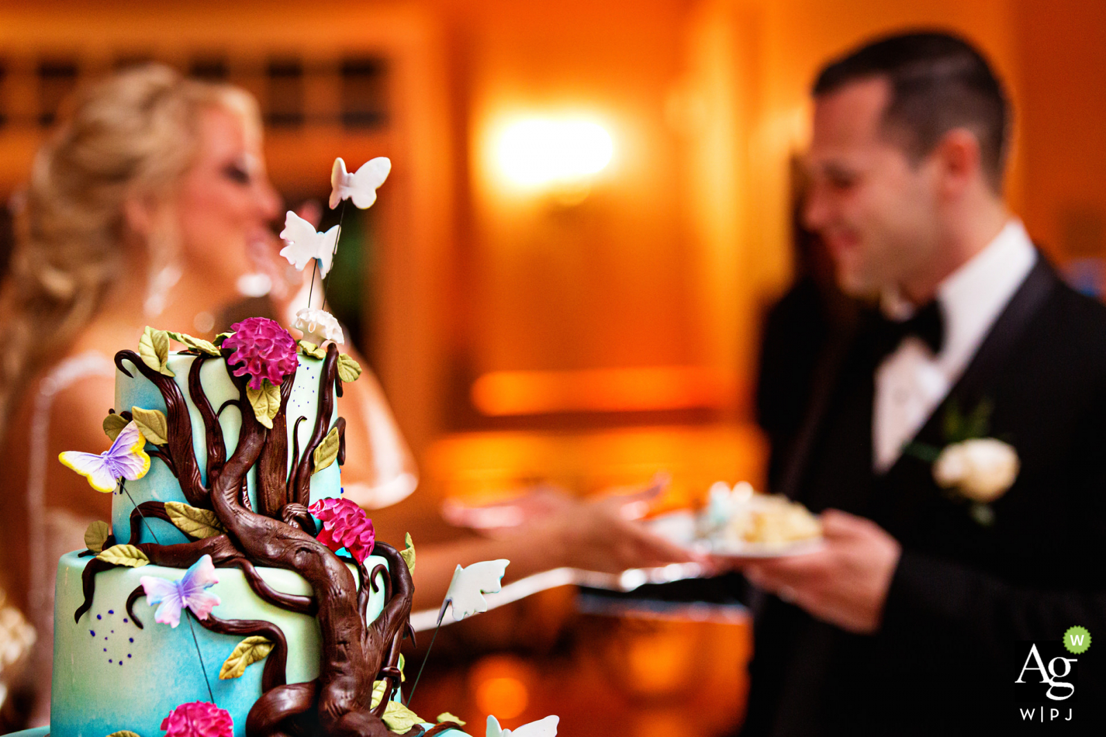 Bear Brook Valley New Jersey Wedding Venue Detail Photo of the Cake Cutting with the Bride and Groom