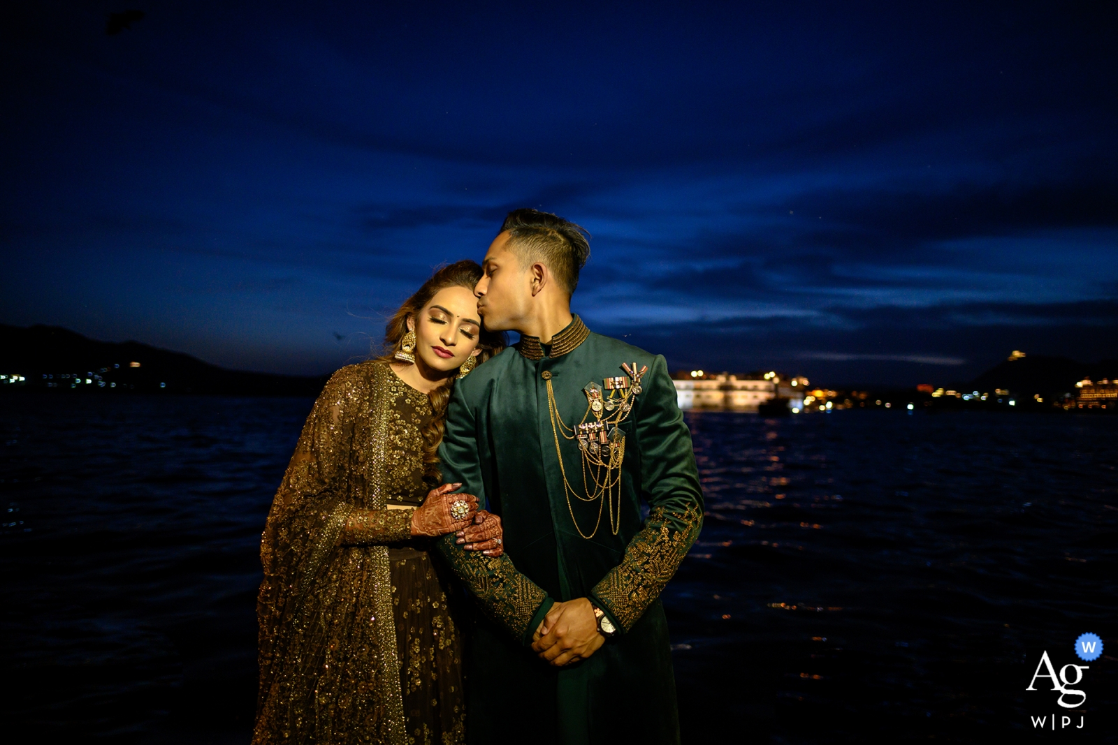 Ankita Asthana is an artistic wedding photographer for Maharashtra