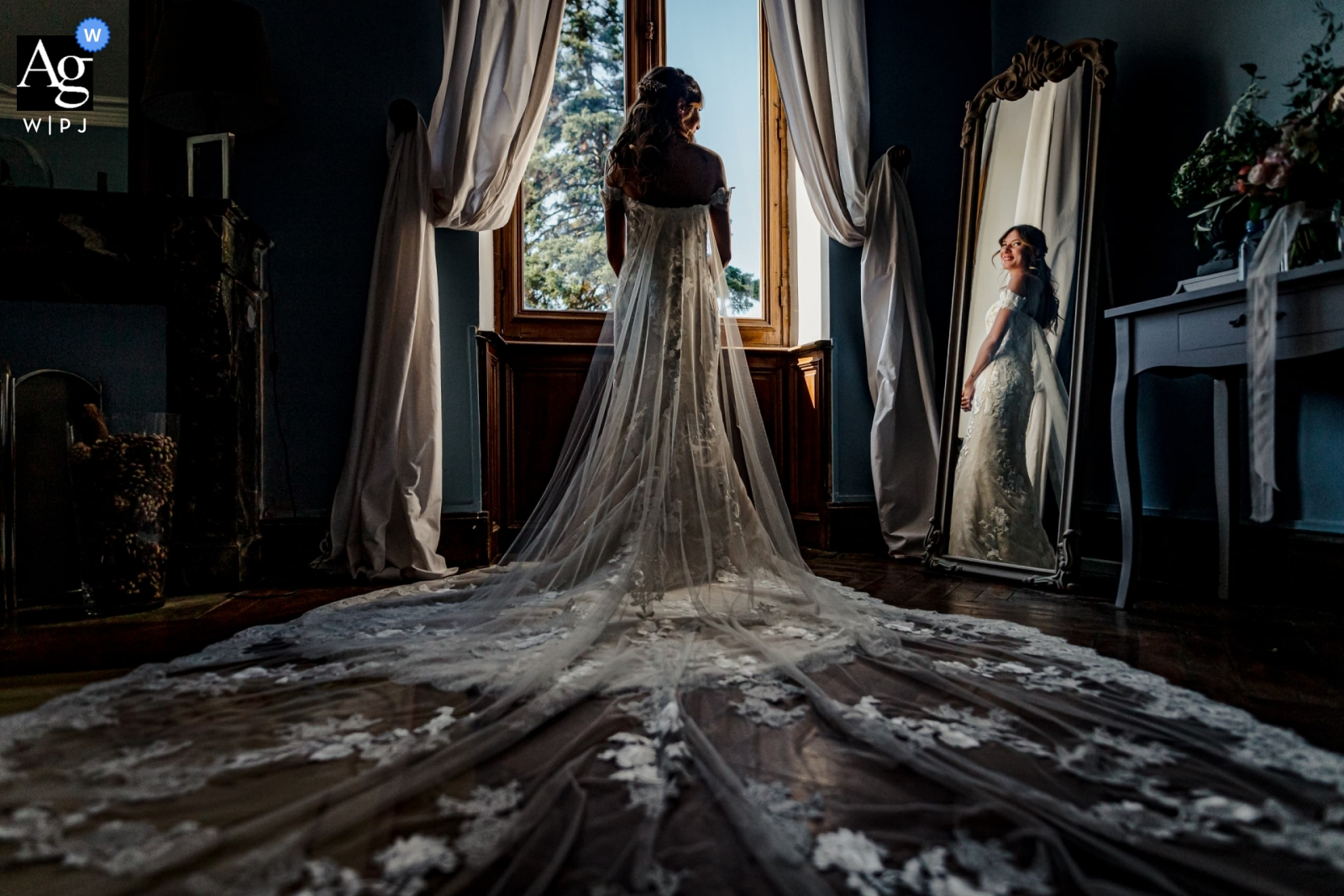 Chateau de la Rode, France - The bride with her stunning wedding dress