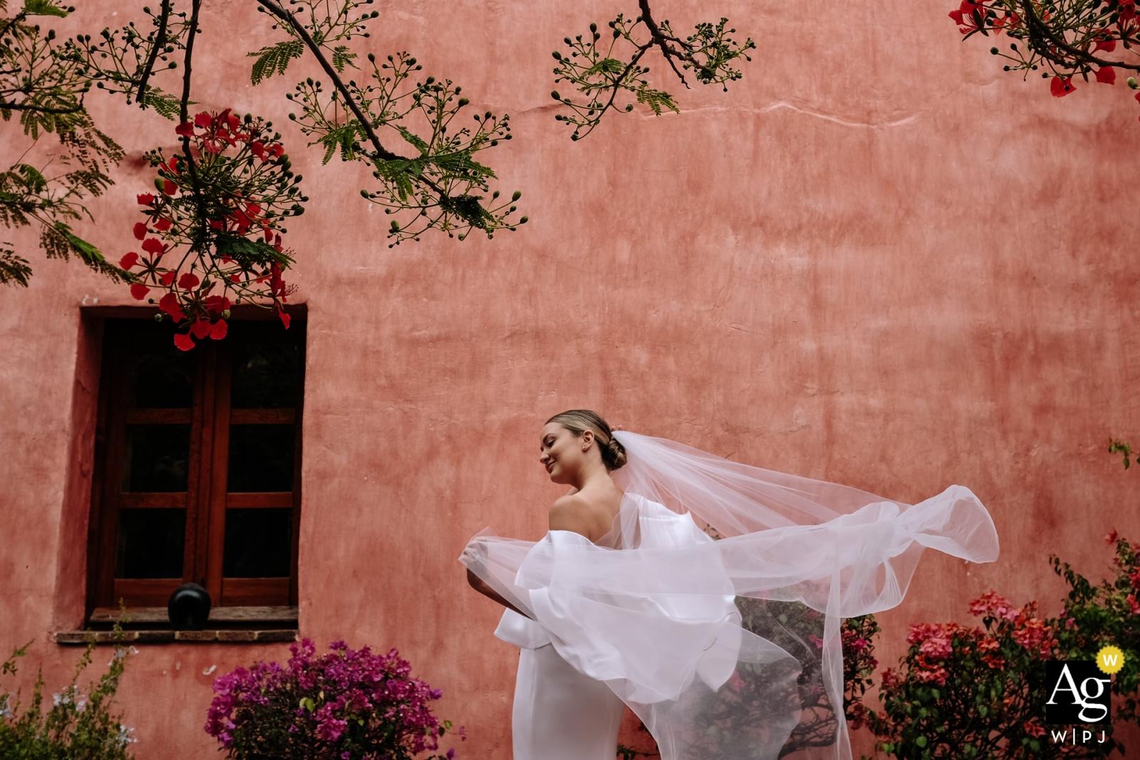 Oaxaca City, Oaxaca, Mexiko Hochzeitstagporträt der Braut