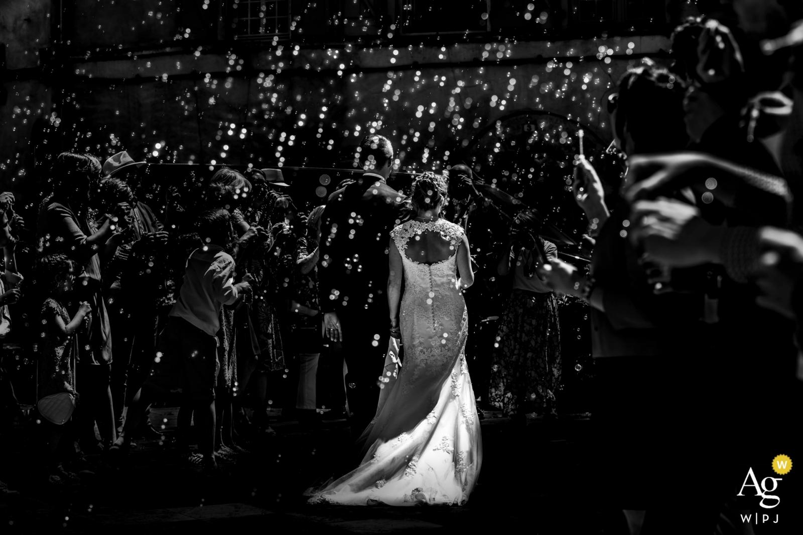 St Antonin-Noble-Val (Frankreich) Hochzeitsfotografie | Gehen Sie außerhalb des Rathauses