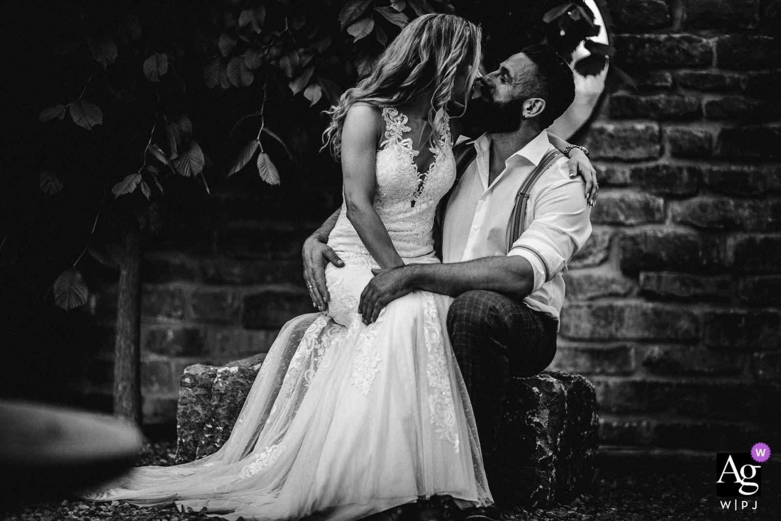 Manufaktur by Baier - Pfaffenhofen | Creative wedding portrait in black and white of the couple