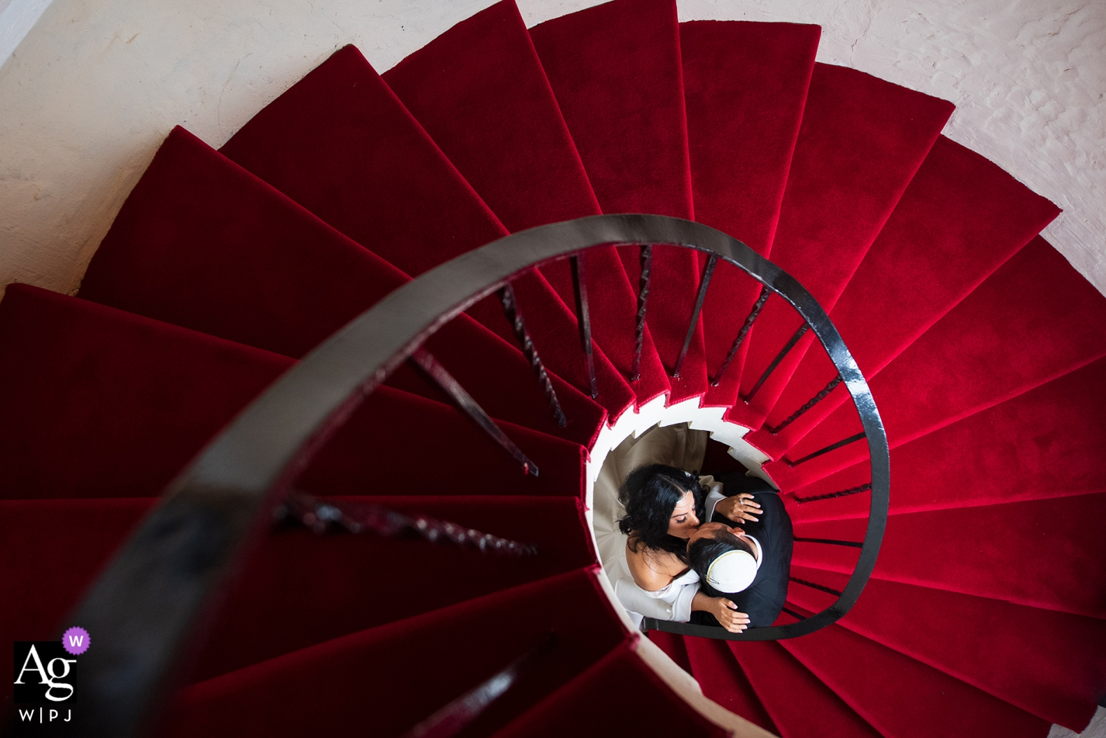 Florida Wedding Reception Portrait | Couple in the old stairs just before the dinner.