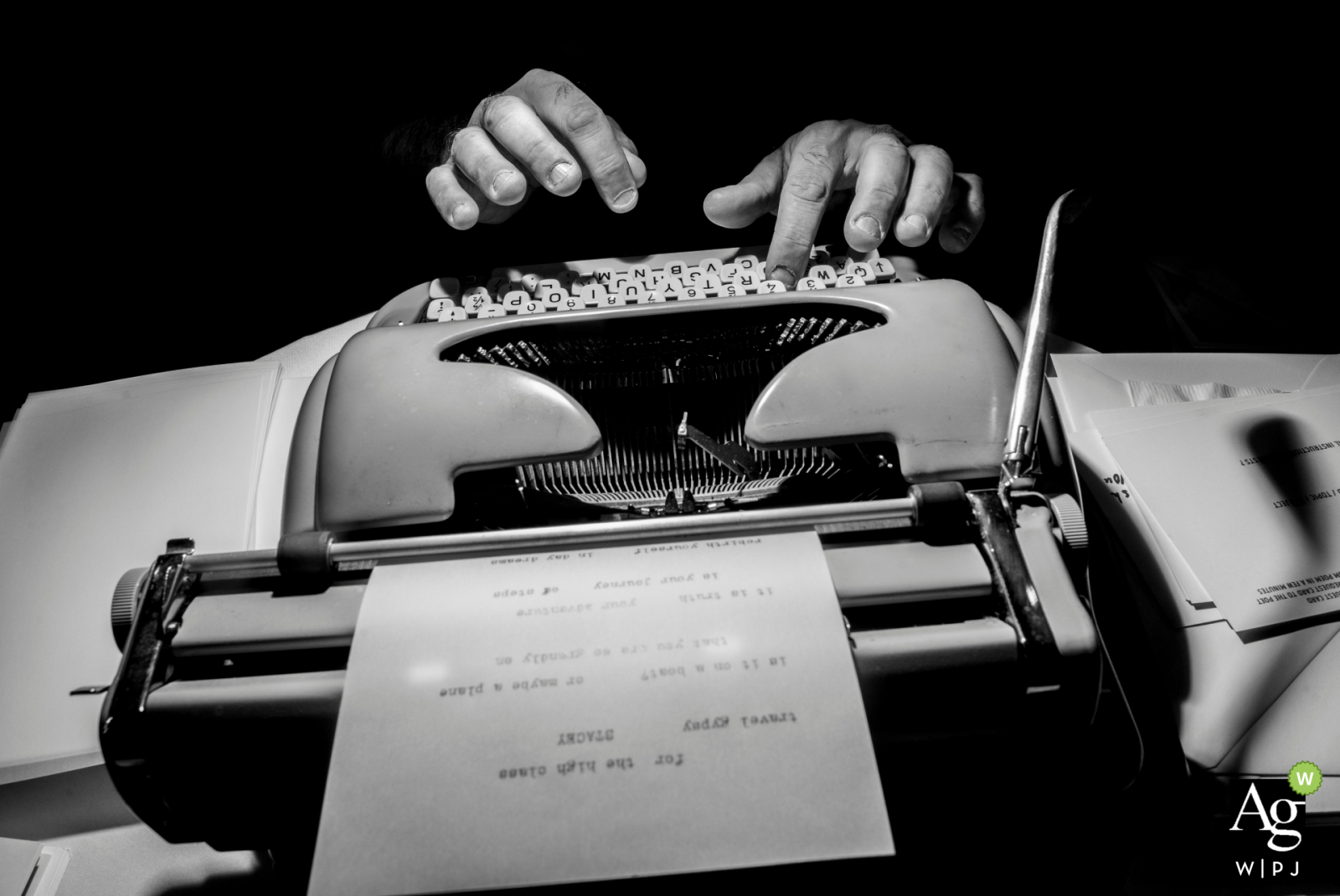 Phoenix wedding photographer at the Desert Botanical Garden | Custom wedding day poetry on a manual typewriter