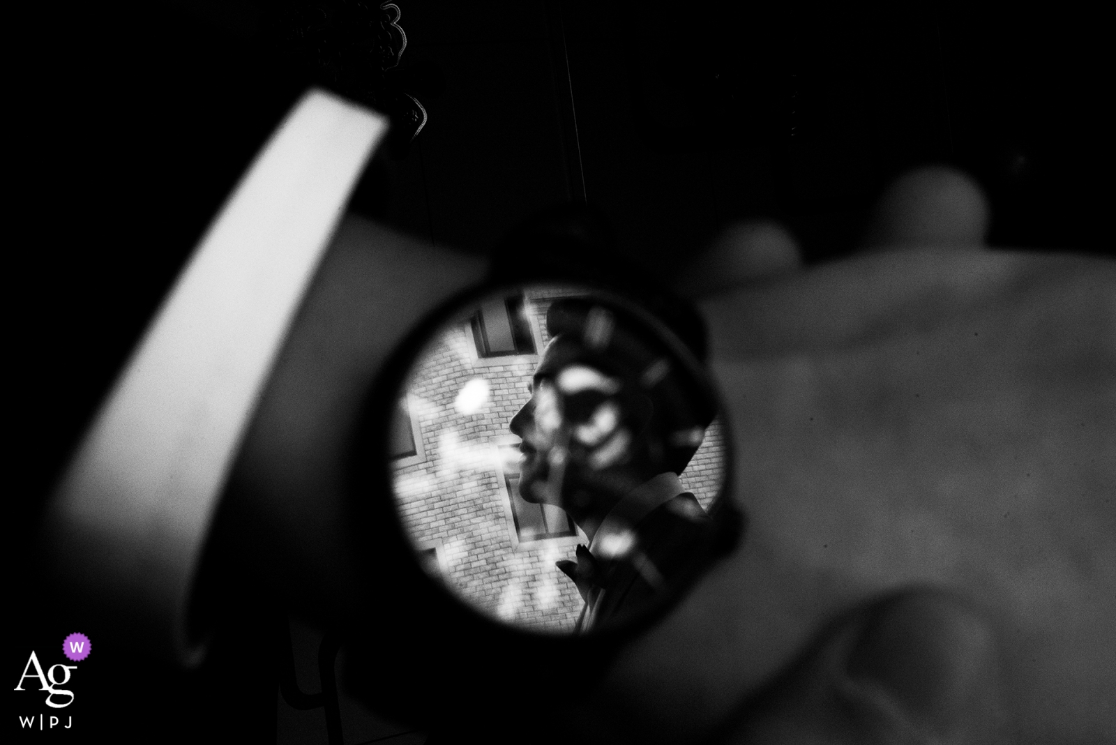 Fuzhou Fujian groom portrait in the face of a watch detail.
