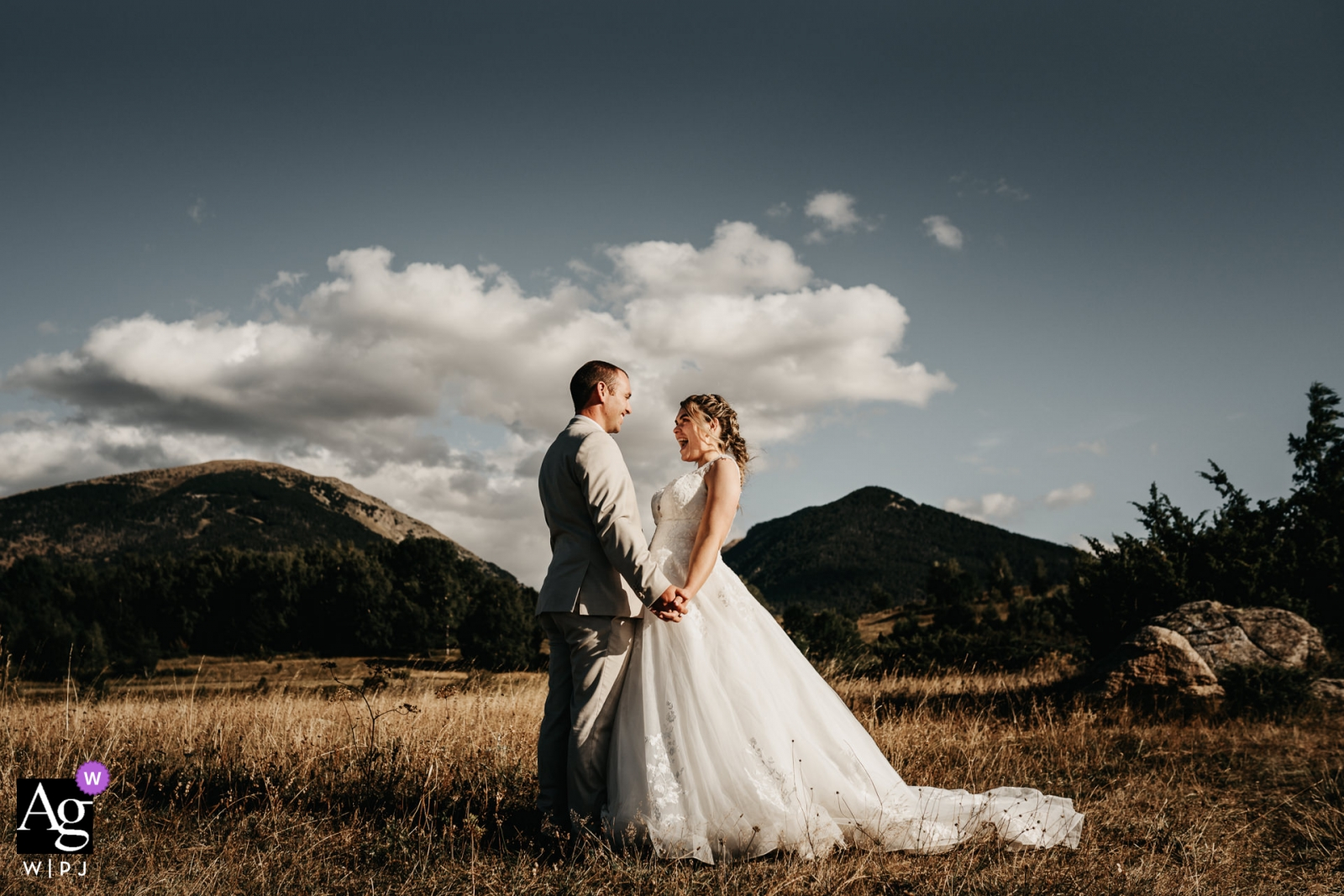Ceremony location, Eyne - Couple portrait in front of their favorite mountain