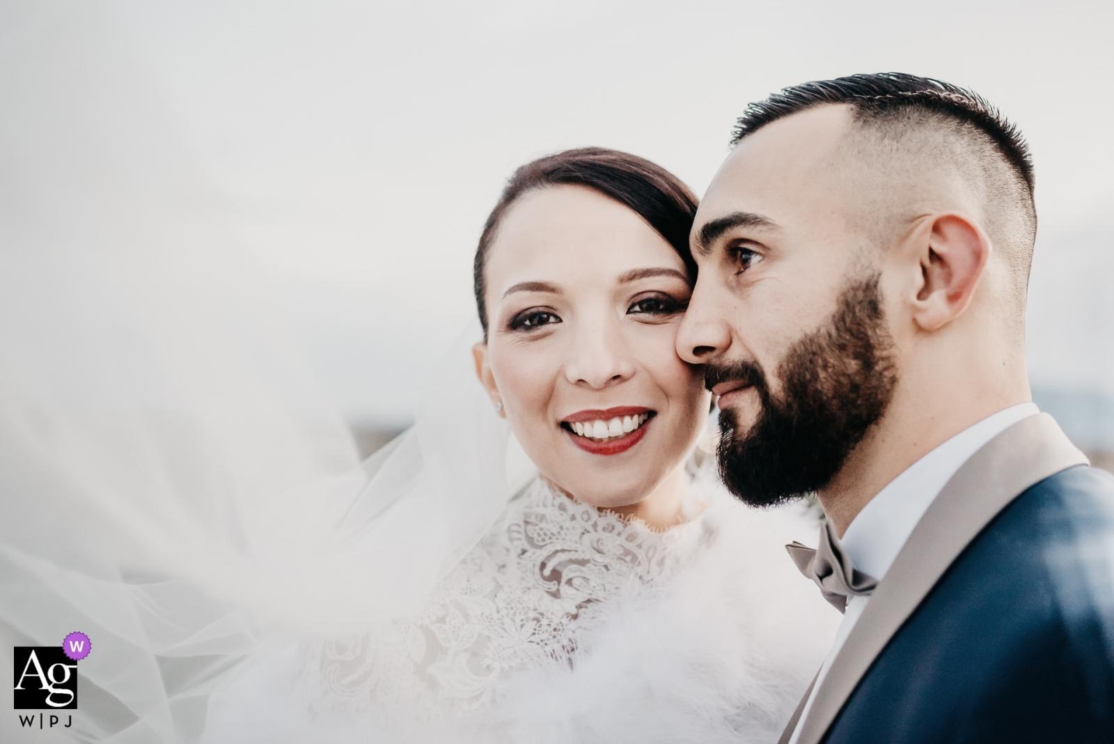 Les Cabanes des Pêcheurs, Le Canet-en-Roussillon | Wedding couple portrait
