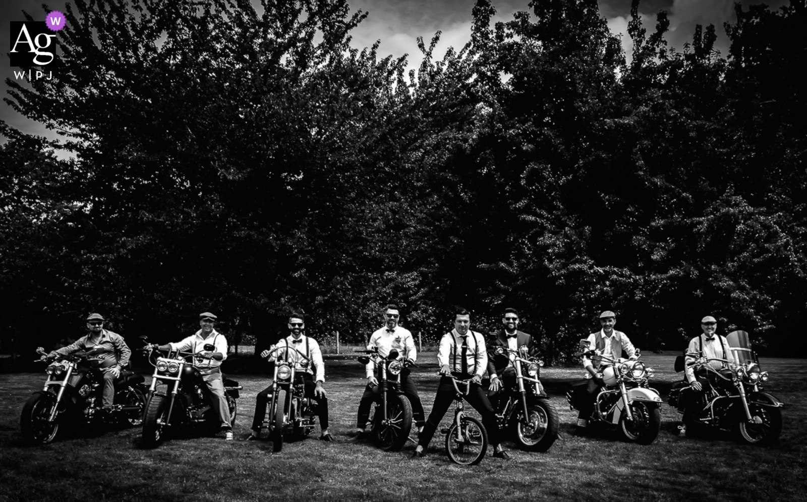 domicile des mariés fine art wedding detail pic taken of the groom and his witnesses on motorcycles before leaving for town hall