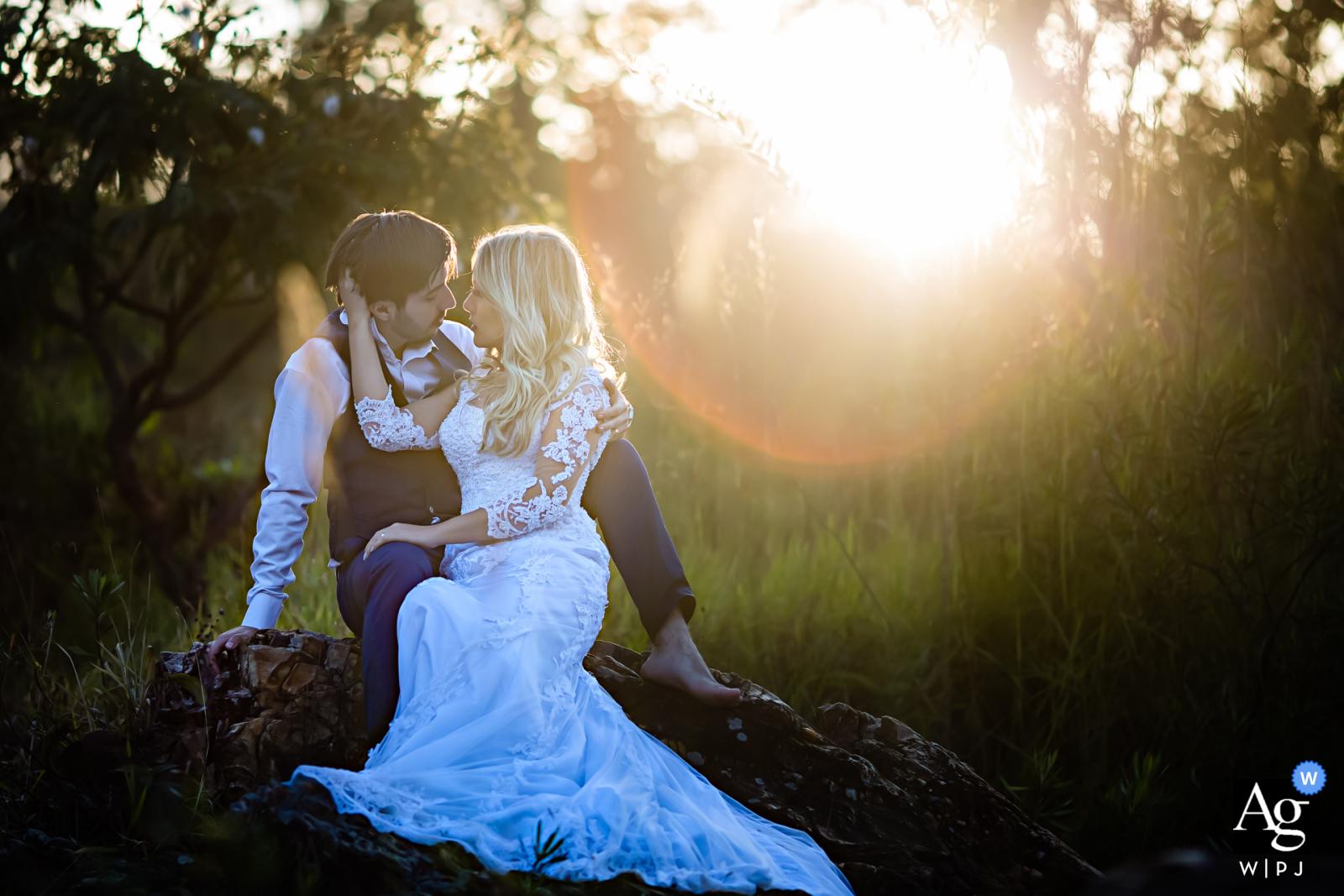 Pirenópolis natural sunlight wedding couple portrait