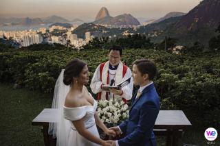 Foto di matrimonio dalla Casa de Santa Teresa a RJ | una vista panoramica del Pan di Zucchero sullo sfondo