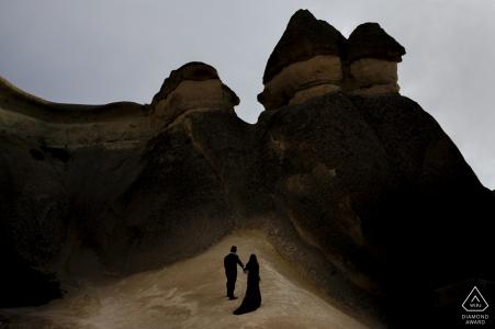 Fotógrafo de compromiso con pareja en Pasabagi, Capadocia.