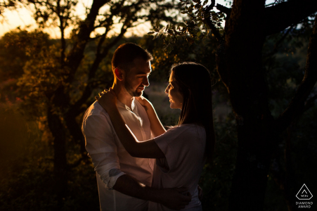 The warm afternoon sun in Madrid made this engagement portrait