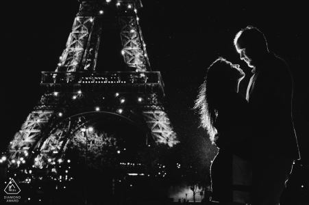 Paris photographie de mariage à la Tour Eiffel | Photographes d'engagement européens