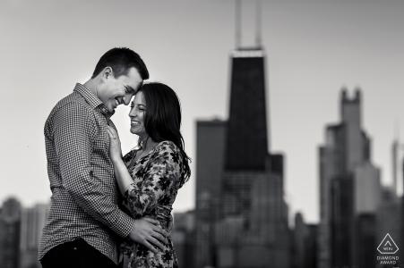 Séance de portraits de fiançailles à North Ave. Plage, chicago, illinois