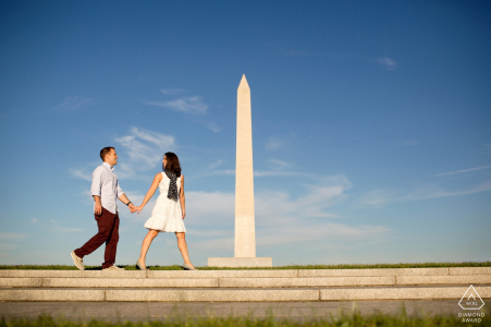 Washington, DC pre-wedding portraits - Couple with monument in background