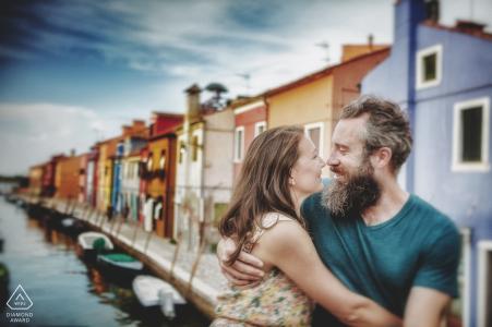 Séance de mariage dans la ville colorée de Burano