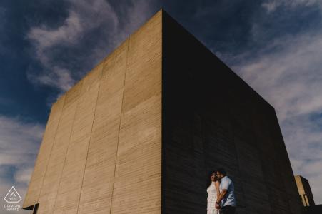 Photographie de fiançailles pour Londres - Debout sur le Southbank à Londres