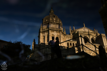 Photographie de fiançailles pour Tolède, Castille-La Manche (Espagne) | Reflet des silhouettes cathédrale
