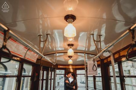 Fotografía de compromiso de Milán desde el interior del viejo autobús