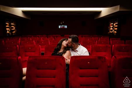 Cinema Casino Aschaffenburg Alemania compromiso y sesión de retratos pre boda.