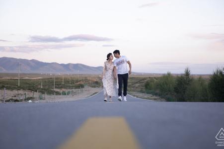 Prewedding couple shoot on the plateau road in Shadao, Qinghai