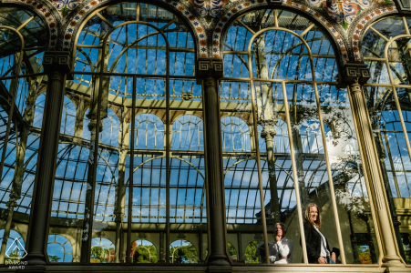 Madrid engagement photo session with a Couple at Cristal Palace