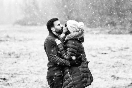 Frenchtown, New Jersey winter engagement session with snow