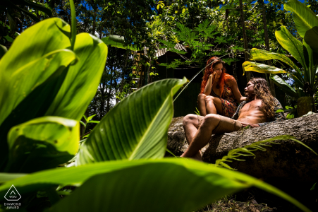 Spain prewedding, engagement photography - A couple inside a tropical jungle