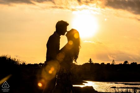 Siracusa love season - Engagement, prewedding photoshoot at sunset at the water