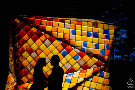 Photos de fiançailles de Hong Kong - rouge, jaune, orange, bleu et noir.