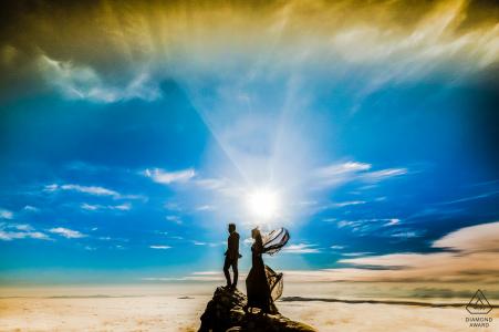 Séances d'engagement   Le couple partage une passion mutuelle pour la randonnée et nous avons décidé de faire la séance de fiançailles sur l'un des itinéraires de randonnée les plus populaires du Cap, la Table Mountain.