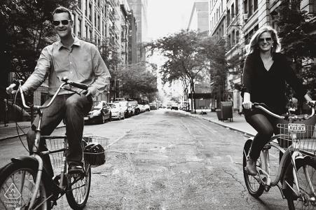 Engagement Photo Sessions   Manhattan, New York City - Lass uns Fahrrad fahren!