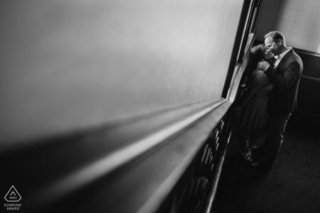 Fotógrafo de parejas comprometidas | Sesión en blanco y negro en el Hotel Coronado