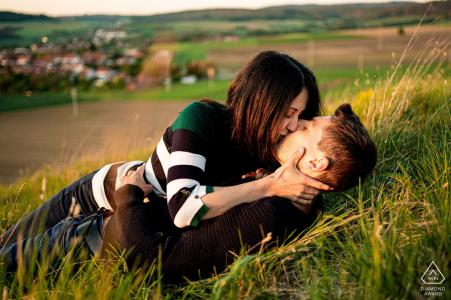 Malhostovicka pecka engagement kissing portrait session On the hill