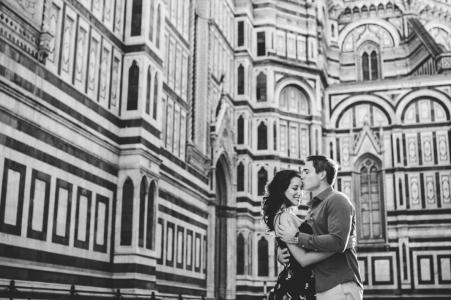 Betrokken fotoshoot met een stel in Florence bij de Duomo