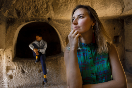 cappadocia engagement shooting in the carved caves