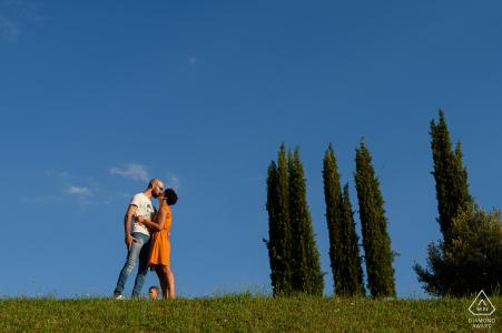 Parco Villa Severi Kręcenie zaręczynowe w Arezzo, park był pełen bawiących się dzieci