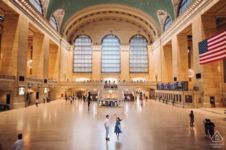 Grand Central Terminal NYC Sesión de retrato de pareja de baile en la estación