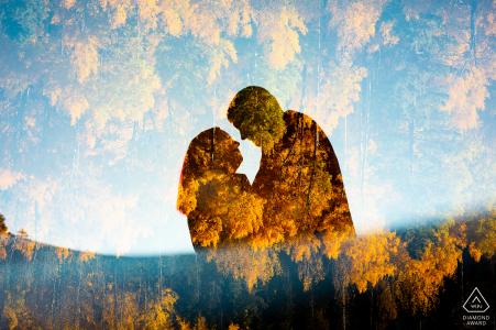 Portraits de fiançailles de couple d'automne artistique à Summit County, Colorado, entouré de feuilles de tremble doré